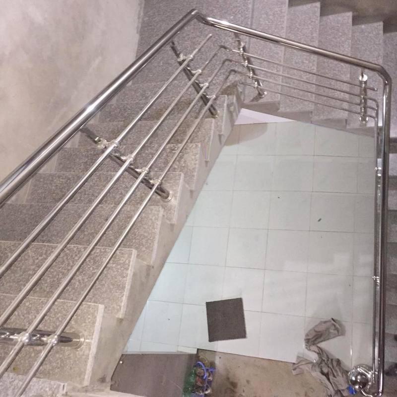 Cầu thang inox đẹp CT-07